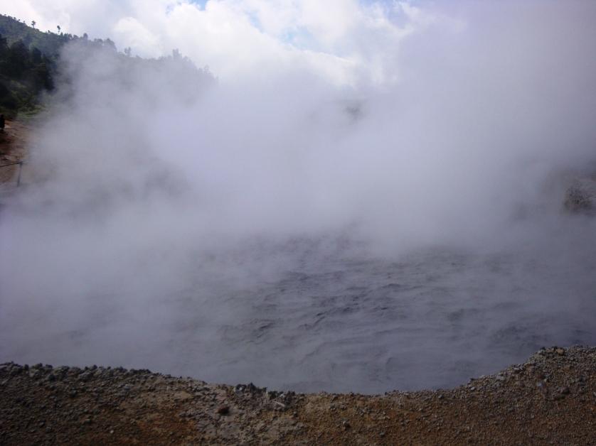Sikidang Krater