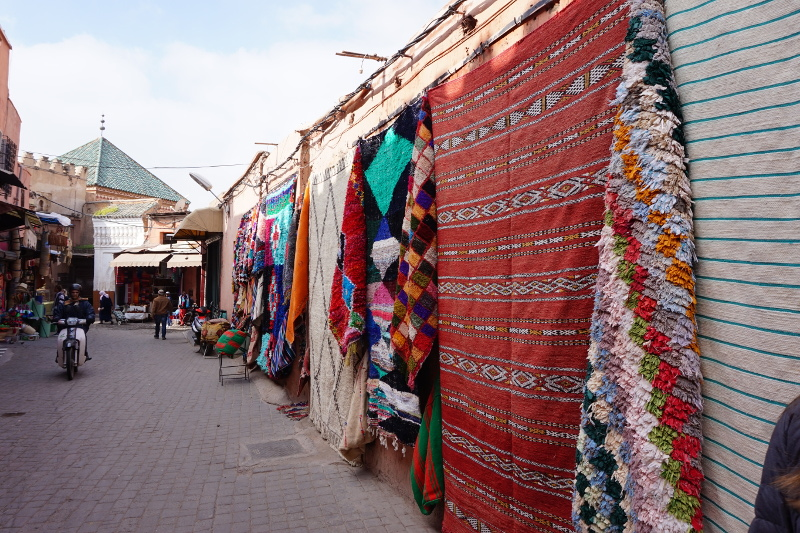 Marrakesch, Straße, Teppiche